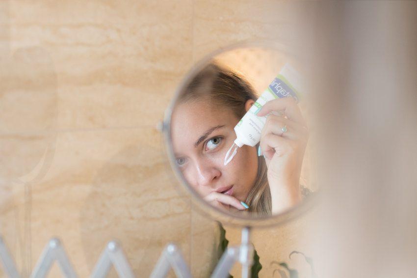 hatékony krém pikkelysömörre a tenyéren vélemények vörös foltok a bőrön leégés után fotó
